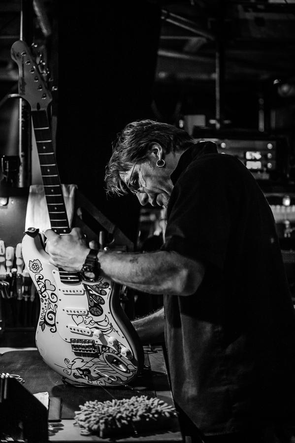 Mein Lieblings-Gitarrentechniker Chris Danke.